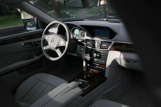 梅赛德斯-奔驰E300