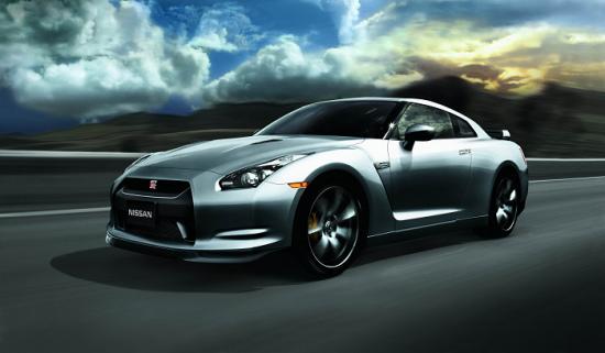 图为全新日产GT-R跑车