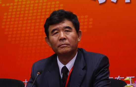 上图为中国汽车技术研究中心主任赵航