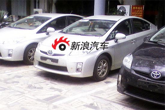 新浪汽车收到正在国内测试的一汽丰田新普锐斯的无伪装测试车谍照
