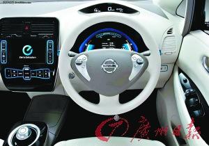 从操作上看,电动车驾驭比自动挡轿车更轻松,也更舒适。