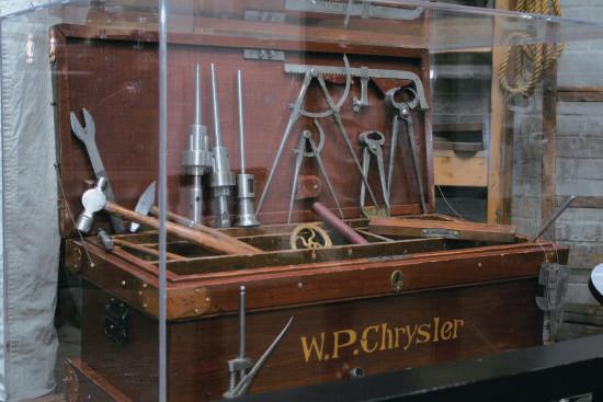 克莱斯勒设计并制造的工具