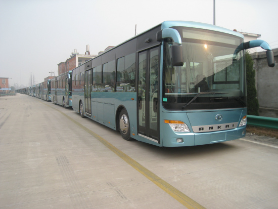 即将与合肥市民见面的纯电动公交车