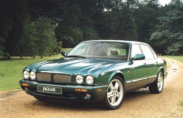 图为第二代捷豹XJ最终改款车型