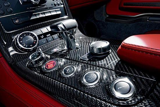 奔驰新款跑车SLS AMG