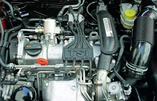 欧版Polo高配车型(SEL系列)采用功率为75kW的1.2TSI涡轮增压发动机