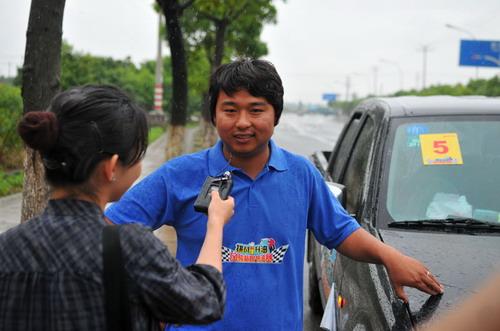 采访参赛选手