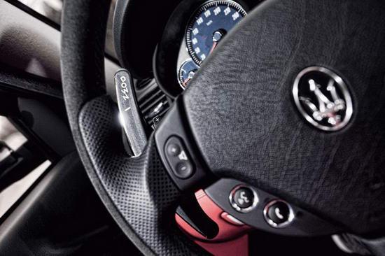 玛莎拉蒂总裁sport GT S方向盘