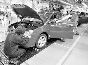 数据显示,上半年汽车库存周期逐月增长,由2月份的41天逐步增长到6月份的55天,增长了14天 资料图
