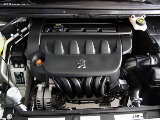 "1.6L的16气门全铝合金多点喷射发动机是典型的高转速发动机,最大功率为78kw/5780rpm,最大扭矩达到142N.m/4000rpm,百公里的油耗仅有7L,最高时速可以达到188km/h。新发动机增加了CVTS(连续可变正时系统)和LITENS(""力腾""正时驱动结构)技术,使得发动机运转更为平稳。同时,为了符合中国路面的需要,标致方面把底盘调低了10mm,降低了车辆重心,这对于操控性和稳定性有很大帮助。   这两款车可谓是各有千秋,莲花L3除了在速度方面不错以外,其他方面"