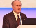2004年诺贝尔经济学奖获得者美联储经济学家 Edward Prescott