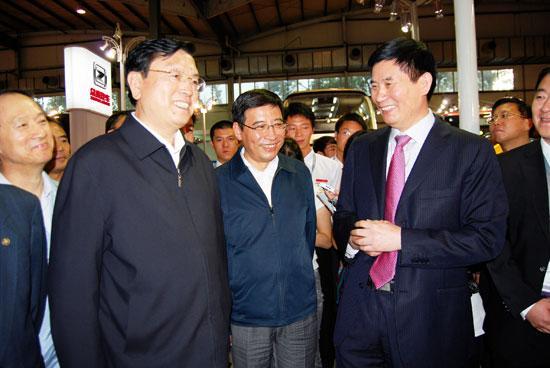国务院副总理张德江亲临众泰展台视察指导