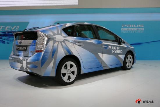 丰田充电混合动力车普锐斯PHV