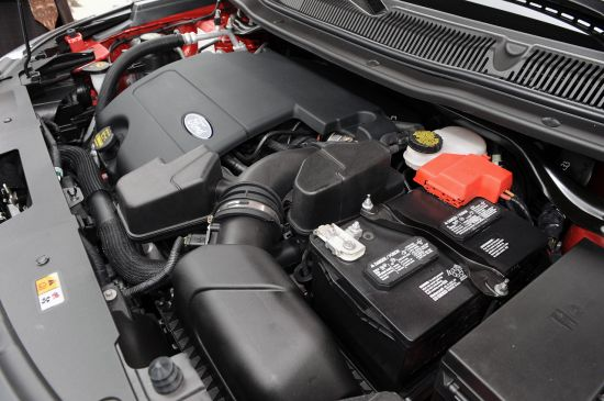 2011福特Explorer 搭载的3.5L排量V6引擎
