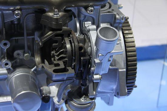 离心式涡轮增压器特写