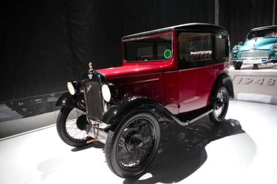 第二代小车:MORRIS MINOR 1000