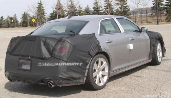 2012款克莱斯勒300C SRT8谍照曝光 明年上市