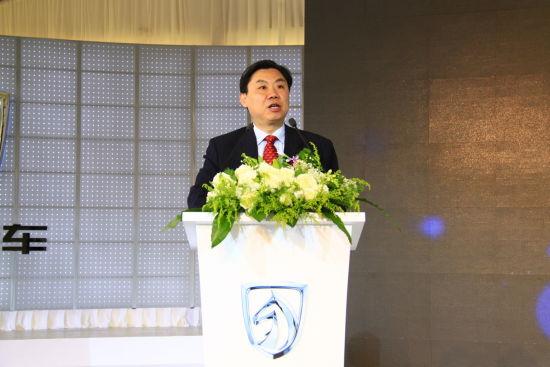 图为上海汽车集团股份有限公司总裁陈虹现场致辞