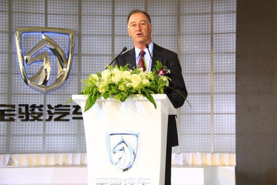 图为通用中国总裁兼总经理甘文维