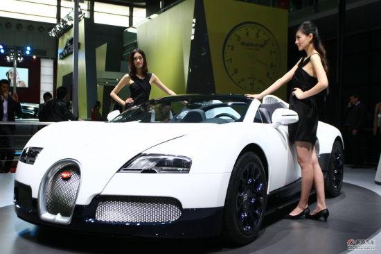 上海车展3800万布加迪威航