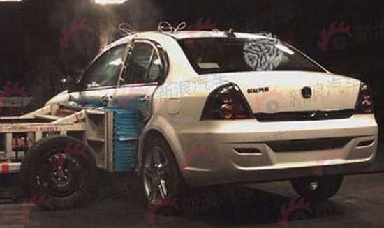 长安汽车纯电动轿车E30谍照参数曝光高清图片