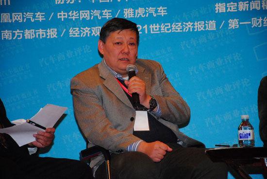 清华大学美术学院工业设计系教授严扬