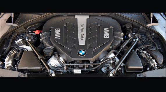4.4升V8增压发动机,最大功率有了比较显著的提升,达到了444马力,百公里加速为4.8秒。