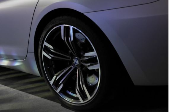 宝马M6 Gran Coupe预告图