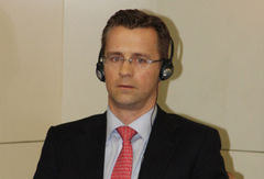 美林银行 Patrick P. Steinemann