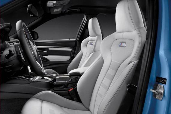 新款宝马M3轿车