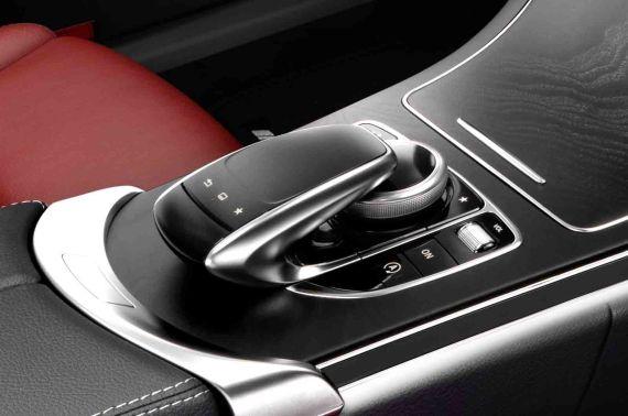 Mercedes-Benz C-Class Interior 04
