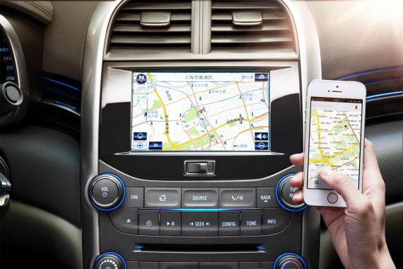2014款雪佛兰迈锐宝新增双屏互动导航系统,可通过手机屏幕轻松设置导航