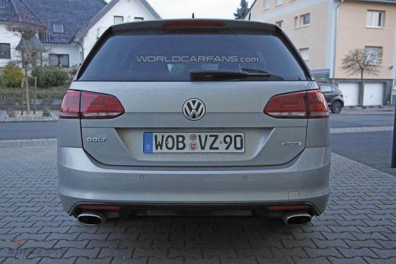 Volkswagen Golf R Estate Spy 04