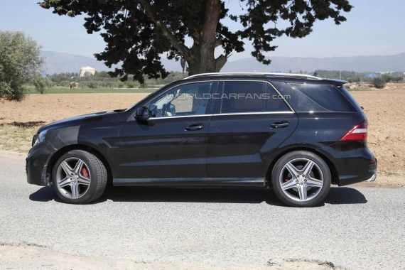 2015 Mercedes-Benz ML 63 AMG facelift spy photo -03