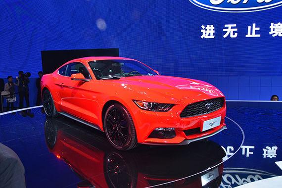 福特Mustang亮相车展 现代感十足