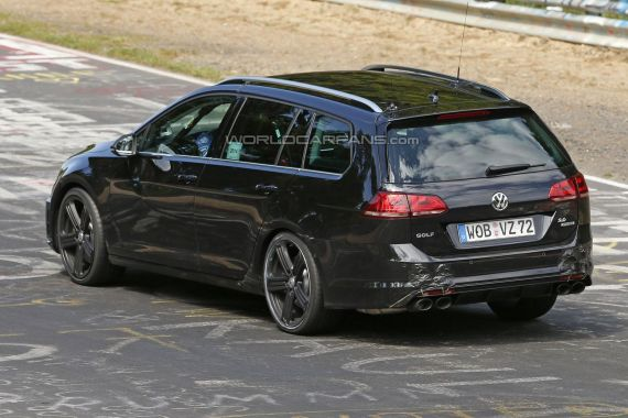 Volkswagen Golf R Estate Spy 05