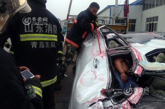 青岛山东集装箱压扁司机女轿车瑜伽生还奇迹棒视频图片