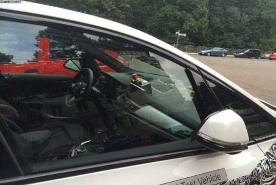 BMW-2er-Active-Tourer-Hybrid-Erlkoenig-Plug-in-Hybrid-Van-02