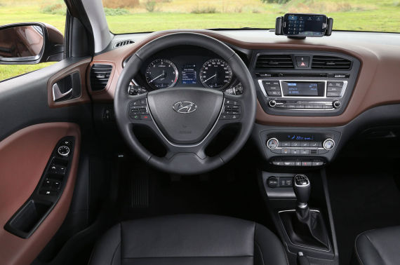 新一代i20将在巴黎车展首发 轴距将增长