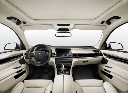 BMW 7-Series Individual Final Edition 02
