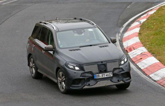 Mercedes-Benz GLE Plug-in Hybrid Spy 02