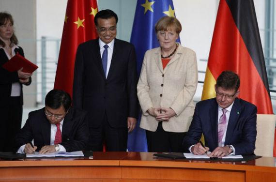 10月10日,在中国总理李克强和德国总理默克尔的共同见证下,德国电信和中国移动签署合作协议