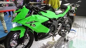 川崎Ninja250SL