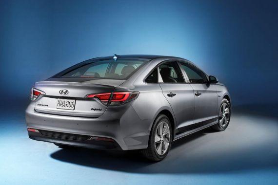Hyundai Sonata Plug-in Hybrid Electric Vehicle 05