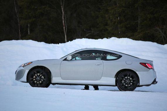 Hyundai Genesis Coupe Spy 02