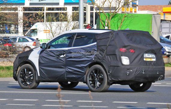 Hyundai Santa Fe facelift spy 06