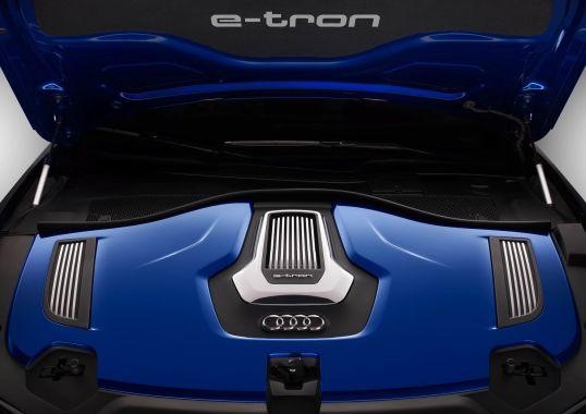 Audi A6 L e-tron 06
