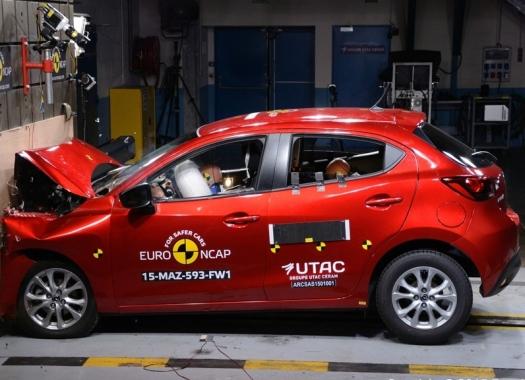 Mazda 2 EuroNCAP 03