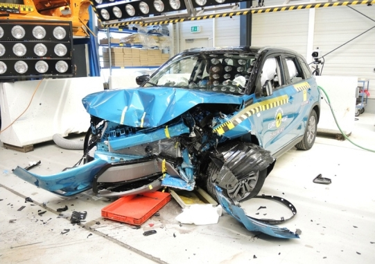 Suzuki Vitara EuroNCAP 05