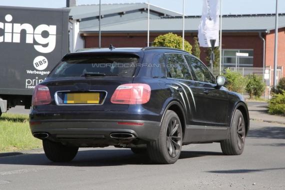Bentley Bentayga spy 10